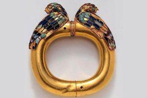 دستبند طلای دوره هخامنشی