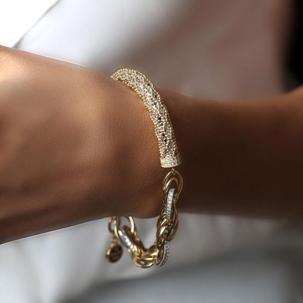 نکات ست کردن دستبند طلا با لباس