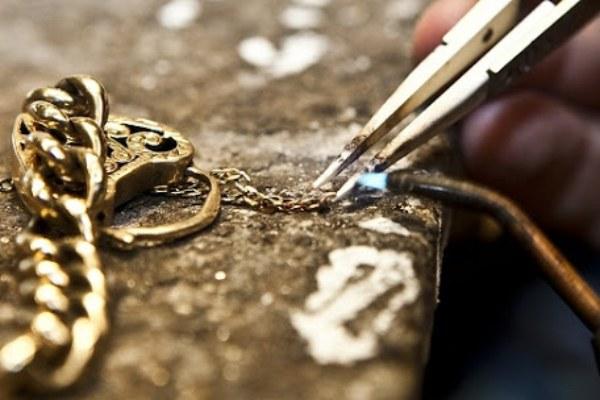 شکستن دستبند طلا