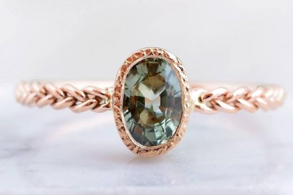 حلقه های عقد با سنگ های قیمتی