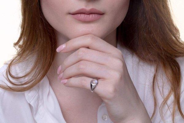 معنای حلقه در انگشت کوچک