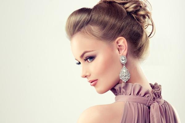 راهنمای خرید گوشواره با توجه به مدل مو