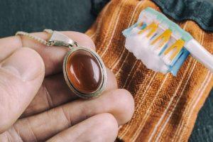 تمیز کردن طلا و جواهرات