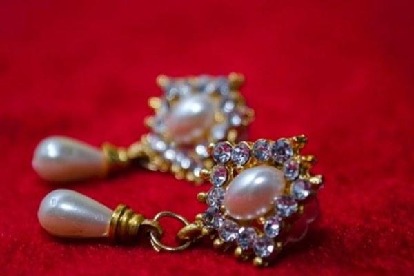 گوشواره الماس و مروارید