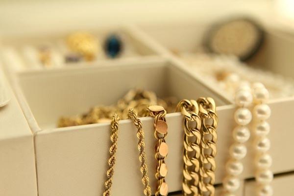 تمییز کردن دستبندد طلا