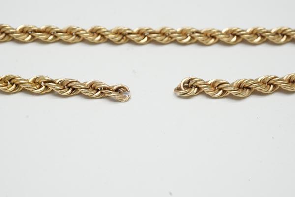 شکسته شدن دستبند طلا