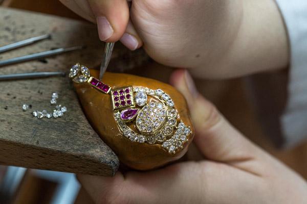 طلای دست ساز و ماشینی