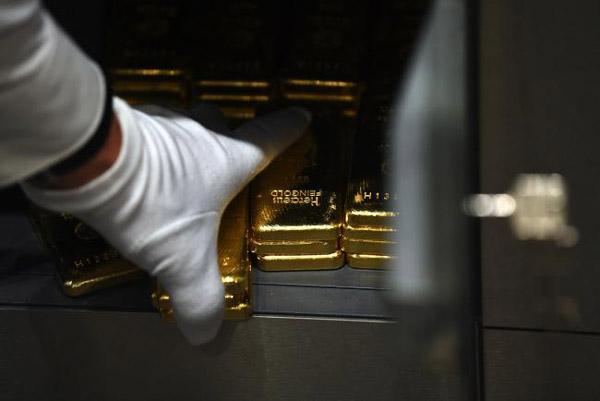 مخفی کردن طلا در گاو صندوق